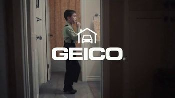 GEICO TV Spot, 'New Apartment Clogging Problem' - Thumbnail 8