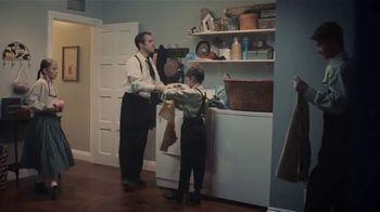 GEICO TV Spot, 'New Apartment Clogging Problem' - Thumbnail 7