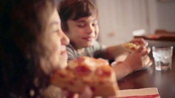 Pizza Hut TV Spot, 'Feed the Family' - Thumbnail 6