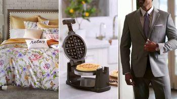 Macy's TV Spot, 'Precios más bajos: juegos de cama y trajes' [Spanish] - Thumbnail 1