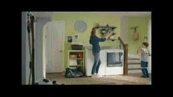 Lowe's TV Spot, 'Staying Home: Whirlpool White Load and Go Laundry Pair' - Thumbnail 1