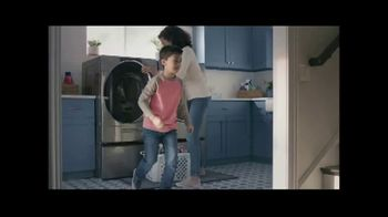 Lowe's TV Spot, 'Staying Home: Whirlpool White Load and Go Laundry Pair' - Thumbnail 4