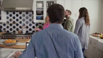 XFINITY Internet TV Spot, 'Open House: Get Up to 1 Gbps' Featuring Amy Poehler - Thumbnail 5