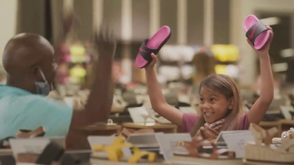 DSW Summer Sandal Sale TV Commercial, 'Must Haves'