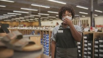 DSW Summer Sandal Sale TV Spot, 'Must Haves' - Thumbnail 1