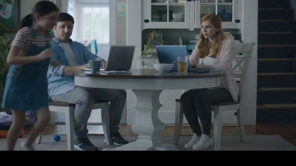 Rocket Mortgage TV Commercial, 'Rocket Can: The Martins'