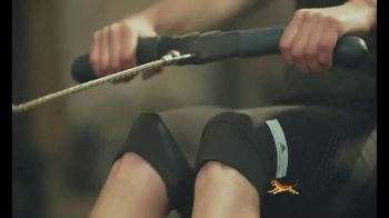 Tiger Balm Active TV Spot, 'Muscle Spray' Featuring Sasha Diguilian - Thumbnail 4