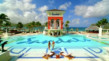 Sandals Resorts in Saint Lucia TV Spot, 'Play Around' Song by Bob Marley - Thumbnail 3