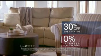 La-Z-Boy 4th of July Sale TV Spot, '30 Percent Off Everything: Recliners' - Thumbnail 9