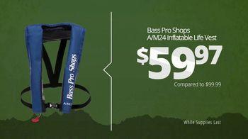 Bass Pro Shops Star Spangled Summer Sale TV Spot, 'Life Vest and Shorts' - Thumbnail 5