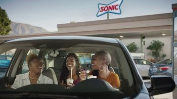 Sonic Drive-In TV Spot, 'Eating in the Car' - Thumbnail 5