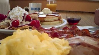 IHOP Ultimate BreakFEASTS TV Spot, 'Except for Bears: 20% Off' - Thumbnail 3