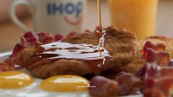 IHOP Ultimate BreakFEASTS TV Spot, 'Except for Bears: 20% Off' - Thumbnail 4