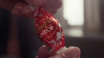Lindt TV Spot, 'Put the World on Pause' - Thumbnail 7