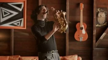 Little Caesars Pizza Slices-n-Stix TV Spot, 'Saxoteléfono' [Spanish] - Thumbnail 3