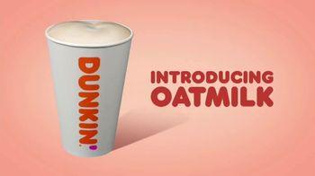 Dunkin' Oatmilk TV Spot, 'Cozy by the Cupful' - Thumbnail 3