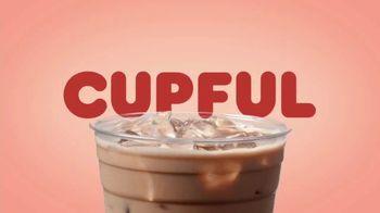 Dunkin' Oatmilk TV Spot, 'Cozy by the Cupful' - Thumbnail 5