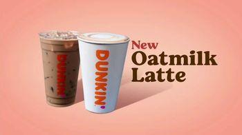 Dunkin' Oatmilk TV Spot, 'Cozy by the Cupful' - Thumbnail 7