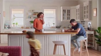 Vicks DayQuil Severe Honey TV Spot, 'Life Doesn't Stop' - Thumbnail 2