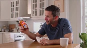 Vicks DayQuil Severe Honey TV Spot, 'Life Doesn't Stop' - Thumbnail 7