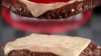 Checkers & Rally's Smoky Barbecue Bacon Buford TV Spot, 'Trophy' - Thumbnail 5