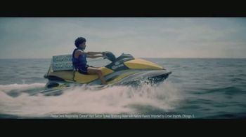 Corona Hard Seltzer TV Spot, 'Delivering Refreshing Flavors' Song by Pete Rodriguez - Thumbnail 5