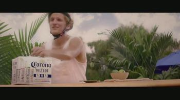Corona Hard Seltzer TV Spot, 'Delivering Refreshing Flavors' Song by Pete Rodriguez - Thumbnail 7