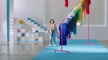 Nordstrom Rack Clear the Rack Sale TV Spot, 'Hop in and Shop' - Thumbnail 4