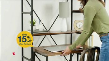 Overstock.com Labor Day Blowout TV Spot, '15% Off' - Thumbnail 6