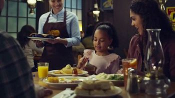 Cracker Barrel Old Country Store and Restaurant Chicken Pot Pie TV Spot, 'Comfort' - Thumbnail 2