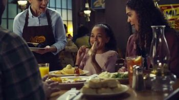 Cracker Barrel Old Country Store and Restaurant Chicken Pot Pie TV Spot, 'Comfort' - Thumbnail 3