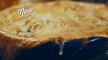 Cracker Barrel Old Country Store and Restaurant Chicken Pot Pie TV Spot, 'Comfort' - Thumbnail 5