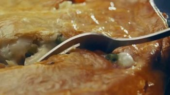 Cracker Barrel Old Country Store and Restaurant Chicken Pot Pie TV Spot, 'Comfort' - Thumbnail 6