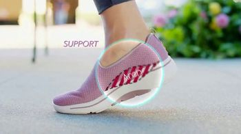 SKECHERS Arch Fit TV Spot, 'Balance and Support' - Thumbnail 6