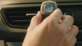 Febreze Car Vent Clips TV Spot, 'Like a Sauna' - Thumbnail 8