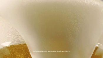 Dos Equis TV Spot, 'Pour-by-Pour Commentator: Bubbles' - Thumbnail 8