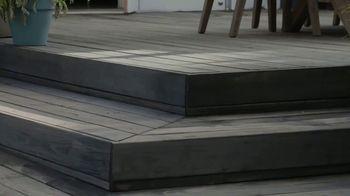 BEHR Paint Labor Day Savings TV Spot, 'The Deck: Discounts' - Thumbnail 4