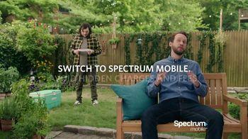 Spectrum Mobile TV Spot, 'Singing To the Plants' - Thumbnail 8