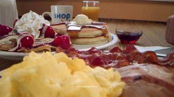 IHOP Ultimate BreakFEASTS TV Spot, 'Oso: 20% menos' [Spanish] - Thumbnail 3