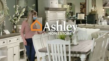 Ashley HomeStore Venta de Un Día TV Spot, 'Salas limpias y desinfectadas' [Spanish] - Thumbnail 1