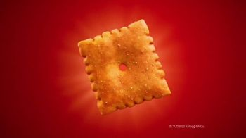 Cheez-It Extra Cheesy TV Spot, 'Cheese Coat Makeover' - Thumbnail 10