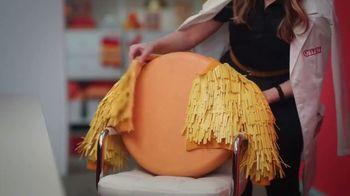 Cheez-It Extra Cheesy TV Spot, 'Cheese Coat Makeover' - Thumbnail 2