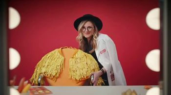 Cheez-It Extra Cheesy TV Spot, 'Cheese Coat Makeover'