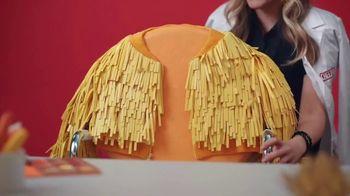 Cheez-It Extra Cheesy TV Spot, 'Cheese Coat Makeover' - Thumbnail 5