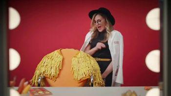 Cheez-It Extra Cheesy TV Spot, 'Cheese Coat Makeover' - Thumbnail 6