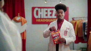 Cheez-It Extra Cheesy TV Spot, 'Cheese Coat Makeover' - Thumbnail 8