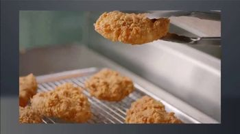 Popeyes Chicken Sandwich TV Spot, 'ION: Quick Case' - Thumbnail 4