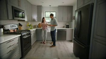The Home Depot TV Spot, 'Appliance Help: White Samsung Laundry Pair' - Thumbnail 2