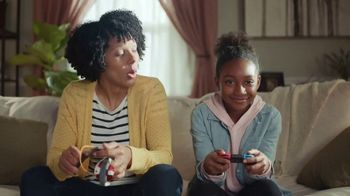 Animal Crossing: New Horizons TV Spot, 'Build a Moat' - Thumbnail 7