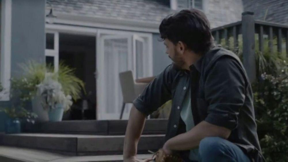 BEHR Paint TV Commercial, 'The Deck'